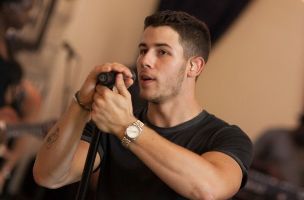 nick-jonas-arms