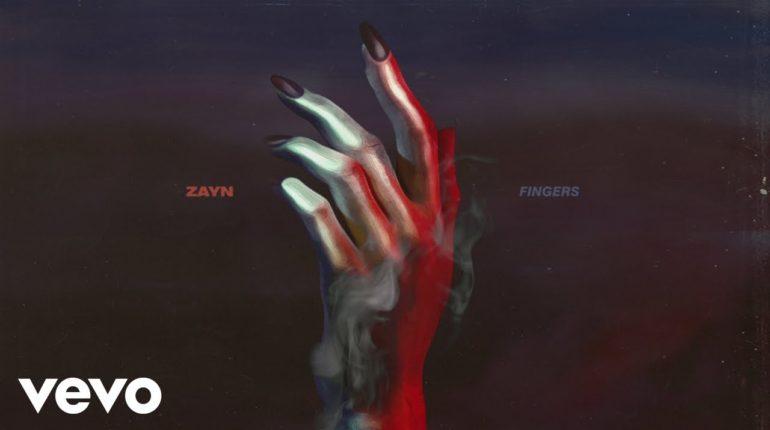 Zayn-Malik_Fingers