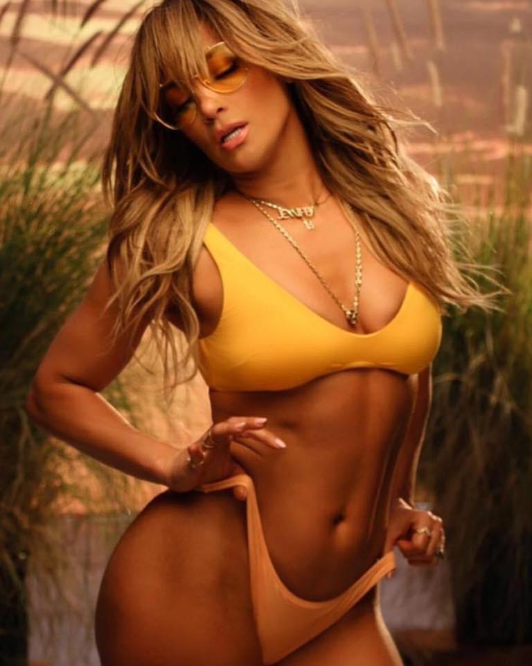 Jennifer-Lopez_Bad-Bunny_Te-Guste